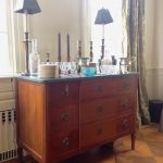 19thc-french-chest-with-marble-top-and-decorative-accessories1