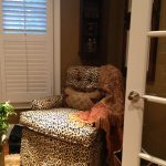 upholsterd-tuffed-leopard-chair